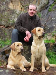 Education canine la roche sur yon, Olivier et ses assistantes